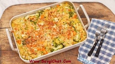 Kremalı, Tavuklu ve sebzeli fırın makarna tarifi